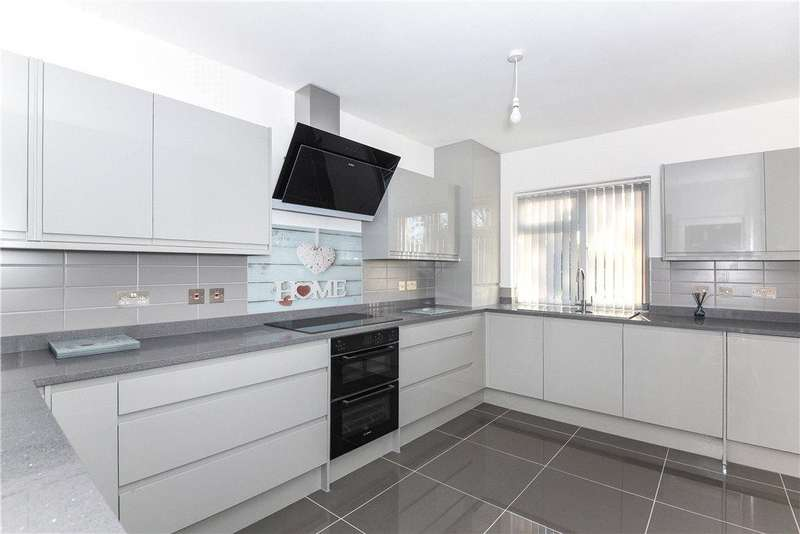 5 Bedrooms Detached Bungalow for sale in Shenley Avenue, Ruislip, Middlesex, HA4