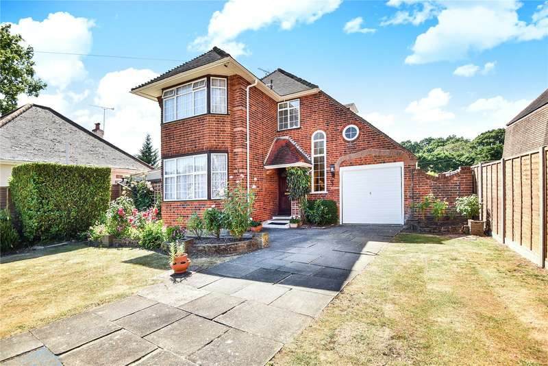 3 Bedrooms Detached House for sale in Long Lane, Hillingdon, Uxbridge, Middlesex, UB10