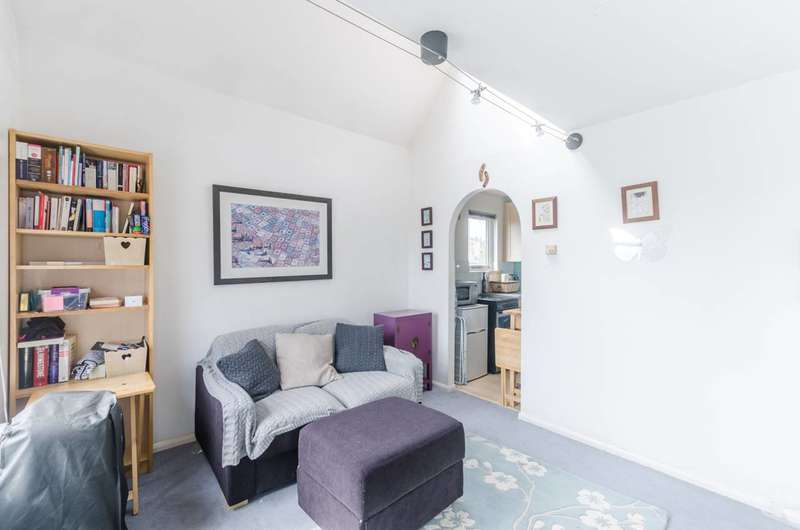 1 Bedroom Flat for sale in Coopers Close, Whitechapel, E1