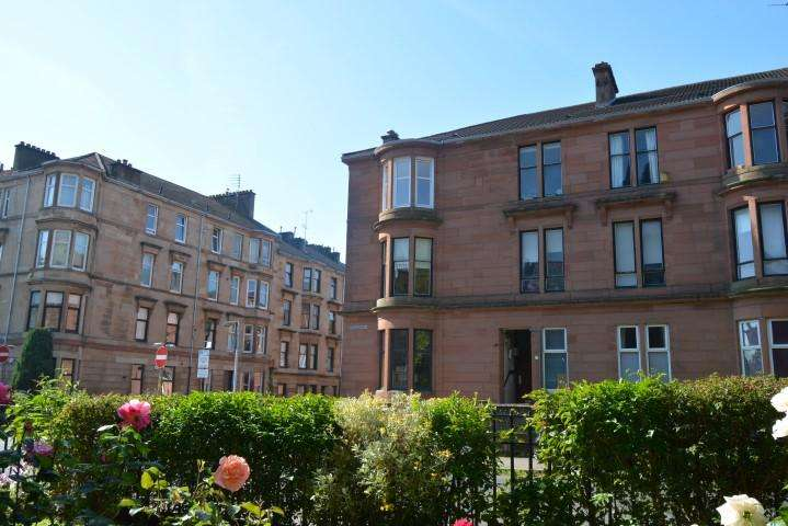 2 Bedrooms Flat for sale in 17 Lawrence Street, Dowanhill, G11 5HF