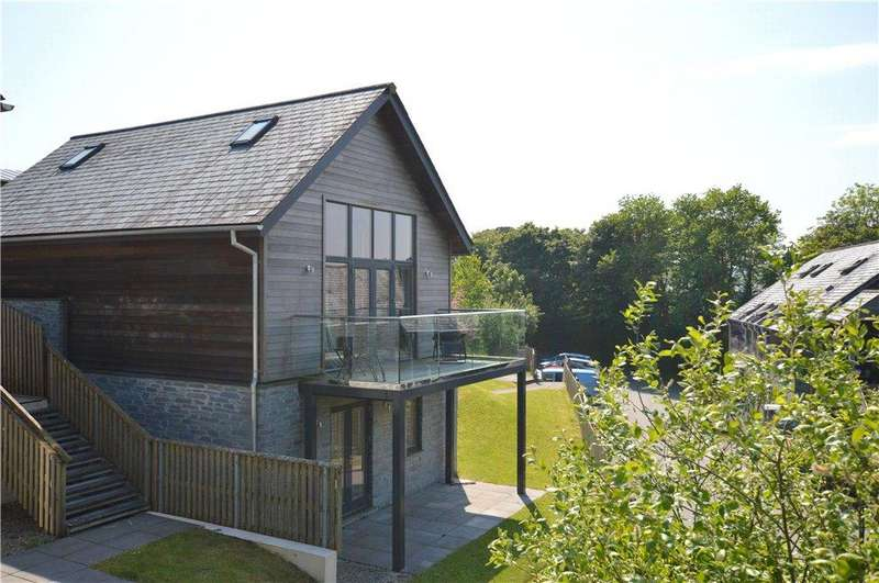 3 Bedrooms Detached House for sale in The Bay, Talland Bay, Cornwall