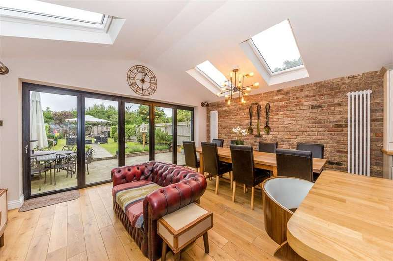 3 Bedrooms Terraced House for sale in North Cottages, Napsbury, St. Albans, Hertfordshire