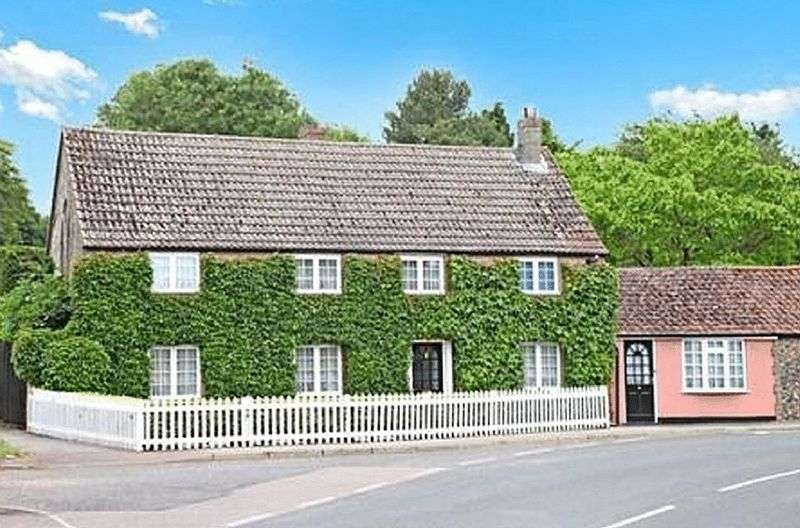 4 Bedrooms Property for sale in High Street, Lakenheath
