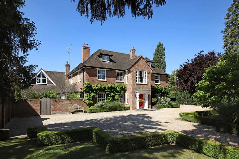 6 Bedrooms Detached House for sale in Penn Road, Beaconsfield, HP9