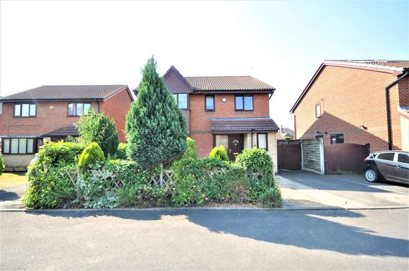 4 Bedrooms Detached House for sale in Camborne Place, Freckleton, Preston, Lancashire, PR4 1YT