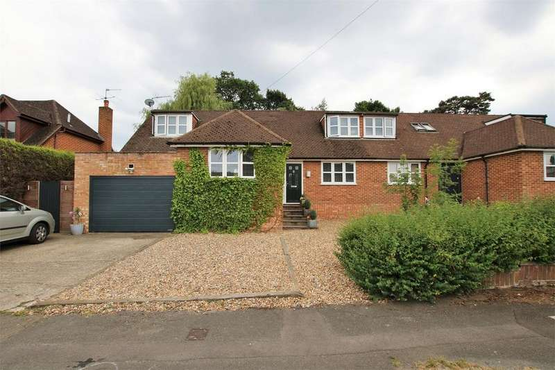 4 Bedrooms Semi Detached House for sale in Belmont Road, CROWTHORNE, Berkshire