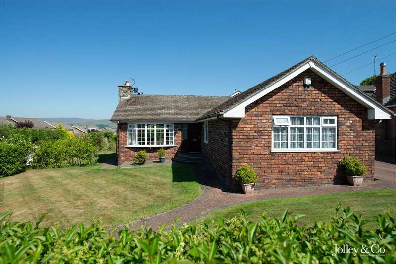 5 Bedrooms Detached Bungalow for sale in Counting House Road, Disley, STOCKPORT, Cheshire