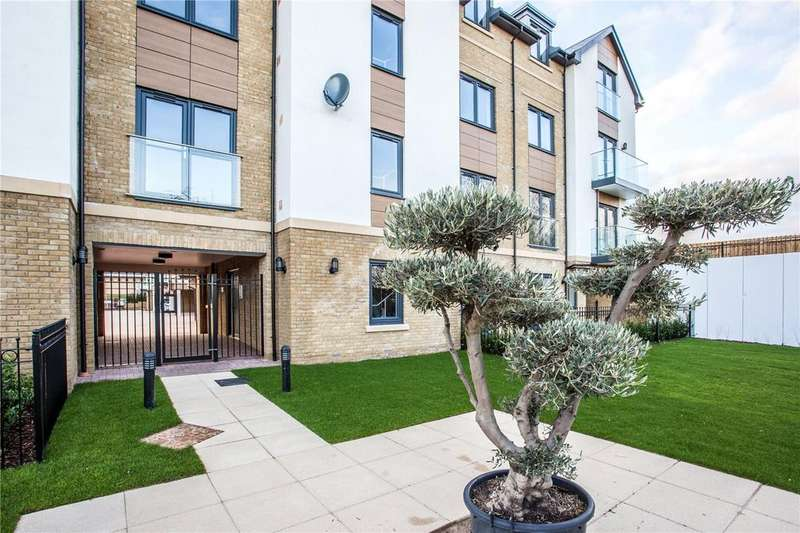 2 Bedrooms Flat for sale in Plot 4 Hamilton Place, Clarendon Way, Colchester, CO1
