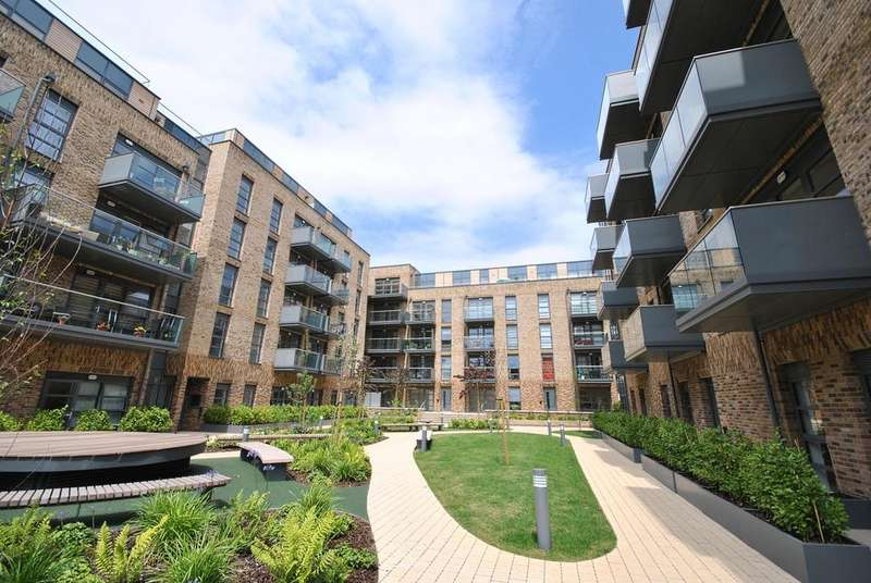 2 Bedrooms Flat for sale in Pages Walk London SE1