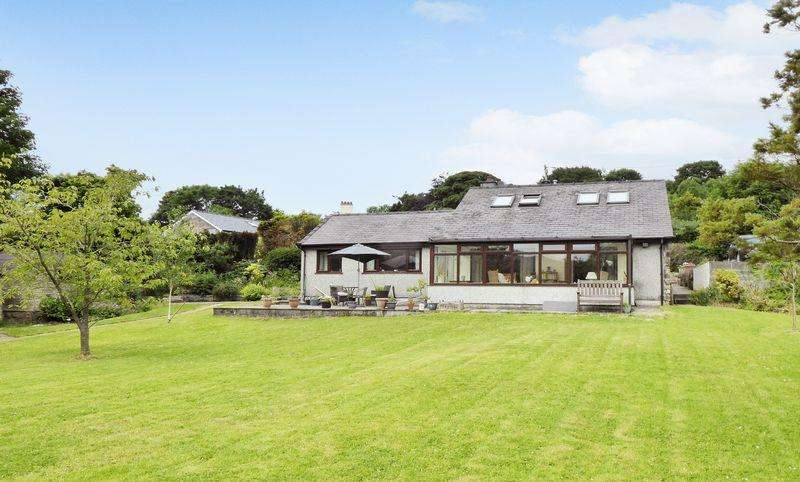 4 Bedrooms Detached House for sale in Waunfawr