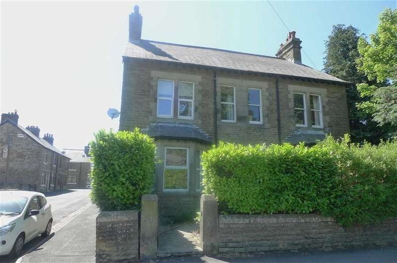 4 Bedrooms Semi Detached House for sale in Queens Road, Buxton, Derbyshire