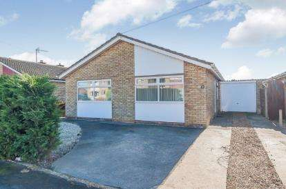 3 Bedrooms Bungalow for sale in Snoots Road, Whittlesey, Peterborough