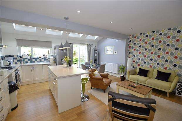 3 Bedrooms Semi Detached House for sale in Stoulton Grove, Bristol, BS10 7JG