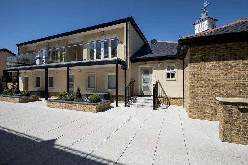 2 Bedrooms Apartment Flat for sale in Brocas Street, Eton, Windsor