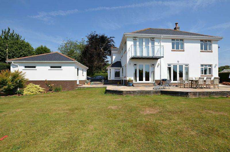 5 Bedrooms House for sale in LANGDON LANE GALMPTON BRIXHAM