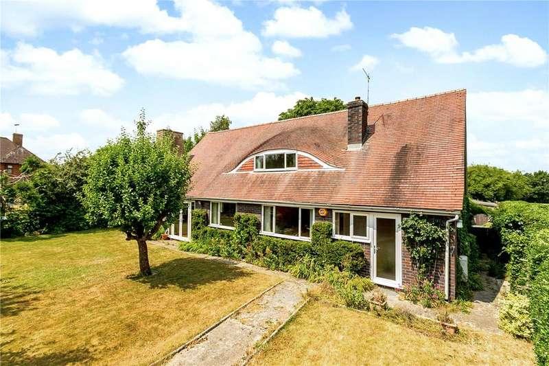 4 Bedrooms Detached House for sale in Buckingham Road, Newbury, Berkshire, RG14
