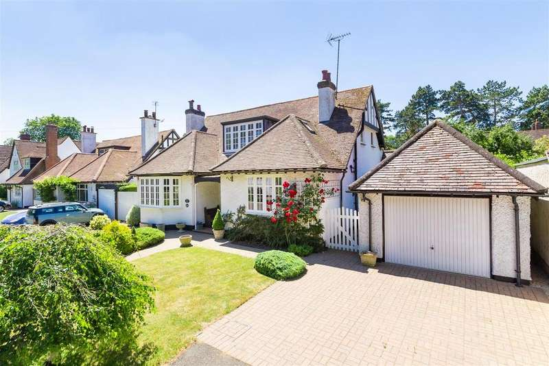 3 Bedrooms Detached House for sale in Field Lane, Letchworth Garden City