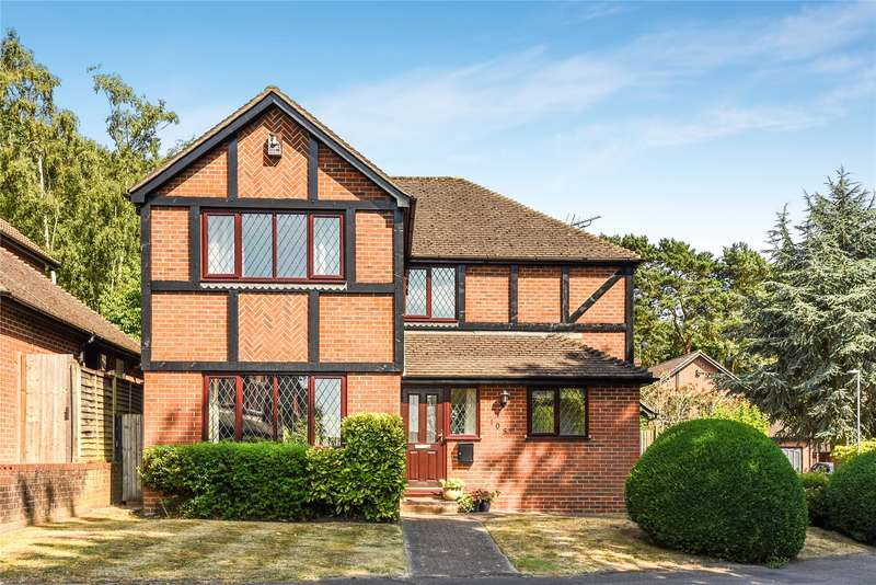 4 Bedrooms Detached House for sale in Harvard Road, Owlsmoor, Sandhurst, Berkshire, GU47