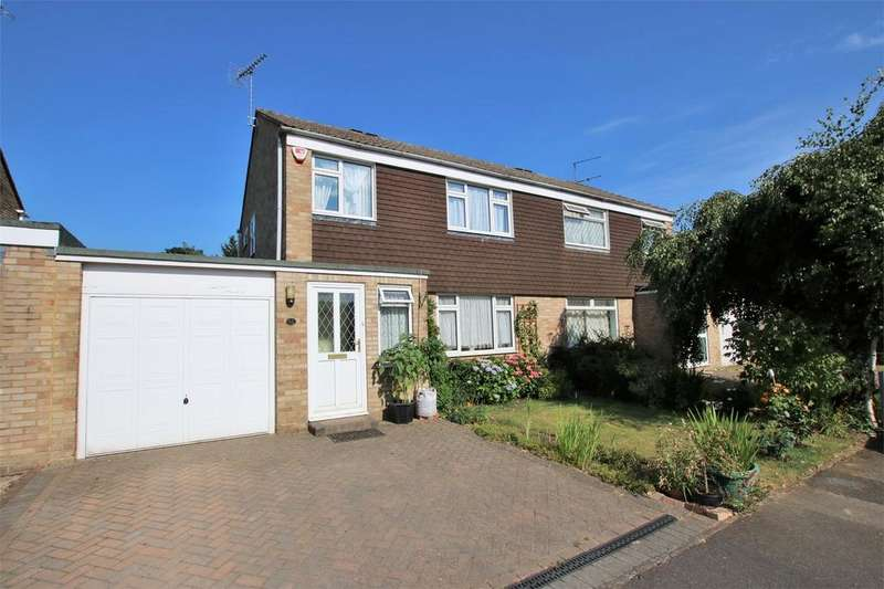 3 Bedrooms Semi Detached House for sale in Pigott Road, WOKINGHAM, Berkshire