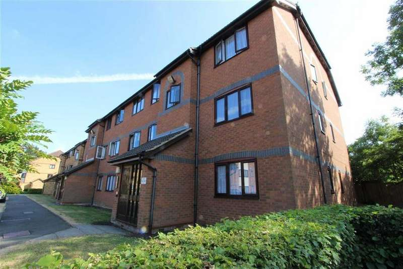 1 Bedroom Flat for sale in Ainsley Close, Edmonton, London