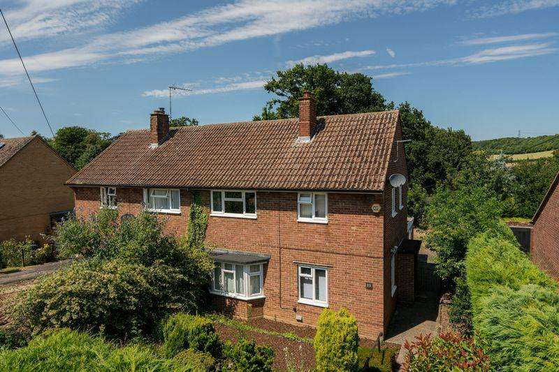 3 Bedrooms Semi Detached House for sale in Rueley Dell Road, Lilley