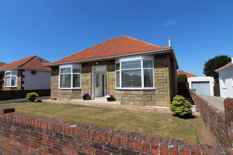 3 Bedrooms Detached Bungalow for sale in Craigston Avenue, Ayr, KA7