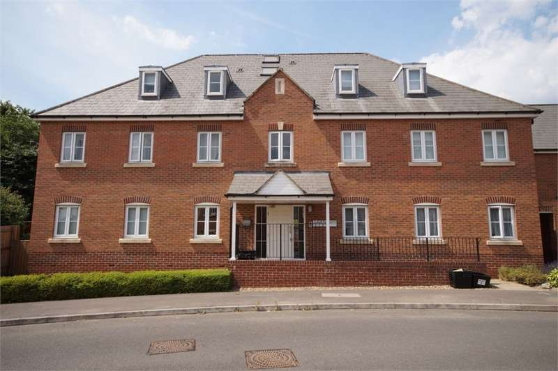 2 Bedrooms Flat for sale in Gloucester Avenue, Shinfield, READING, Berkshire