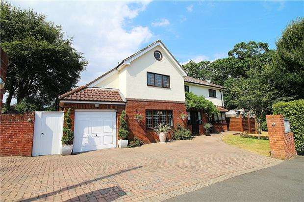 5 Bedrooms House for sale in Queens Park, Bournemouth, Dorset, BH8