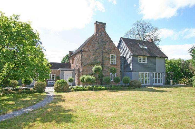 4 Bedrooms Detached House for sale in Crown Lane, Farnham Royal, Buckinghamshire SL2