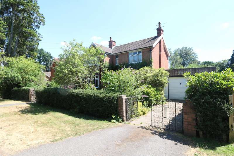 3 Bedrooms Detached House for sale in Ellis Road, Crowthorne, Berkshire, RG45