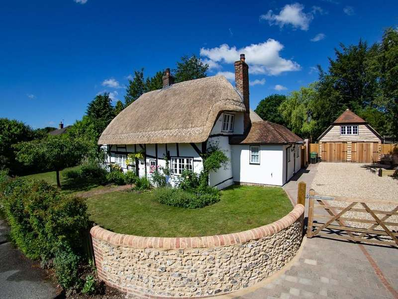 4 Bedrooms Cottage House for sale in Clanfield, Hampshire