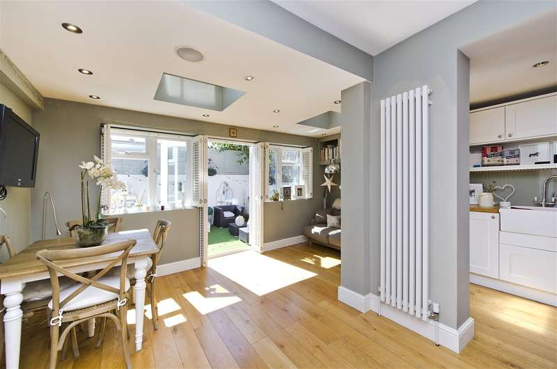 4 Bedrooms Terraced House for sale in Pennard Road, Shepherd's Bush