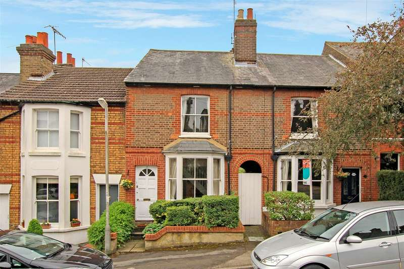 3 Bedrooms Property for sale in Montague Road, Berkhamsted