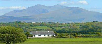 3 Bedrooms Bungalow for sale in Malltraeth, Bodorgan, Anglesey, North Wales, LL62