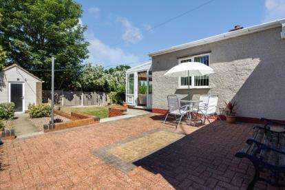 3 Bedrooms Bungalow for sale in St. Lawrence Road, North Wingfield, Chesterfield, Derbyshire