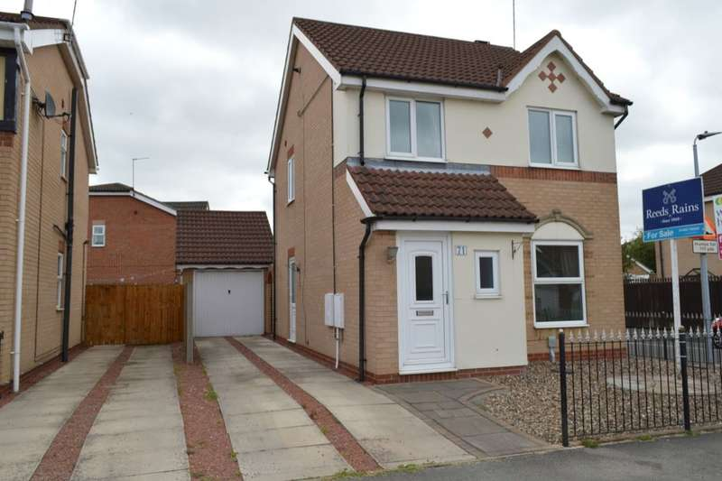 3 Bedrooms Detached House for sale in Kestrel Avenue, Hull, HU8