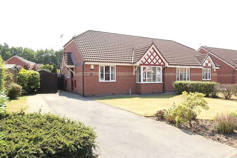 2 Bedrooms Semi Detached Bungalow for sale in Blackley Close, Latchford, Warrington, Cheshire, WA4