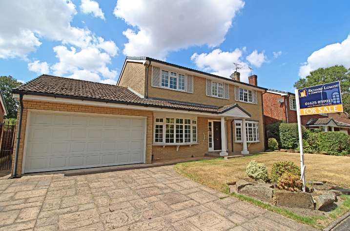 4 Bedrooms Detached House for sale in POYNTON ( PADDOCK CHASE )