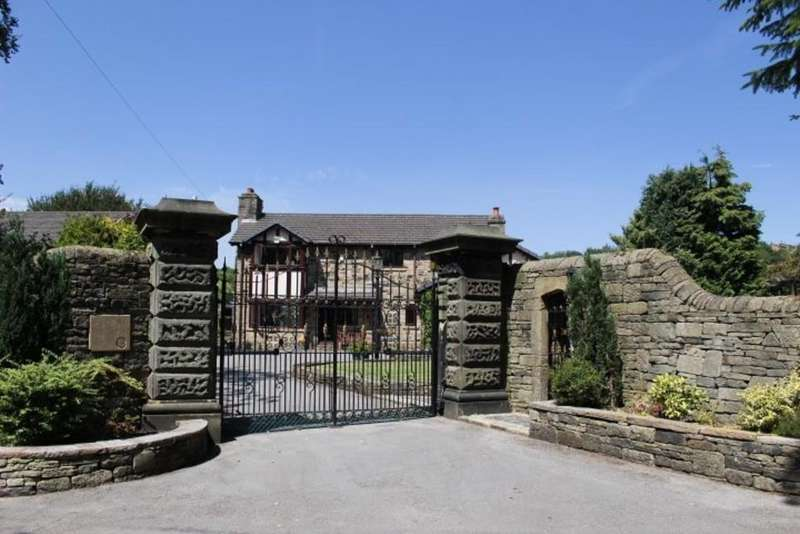 4 Bedrooms Detached House for sale in Spire Hollin, Glossop