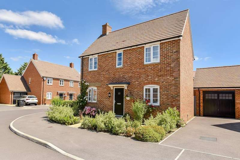 2 Bedrooms Detached House for sale in Harrow Drive, Headley, RG19