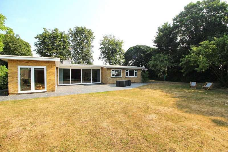 3 Bedrooms Detached Bungalow for sale in The Chase, Paglesham, Rochford, Essex, SS4