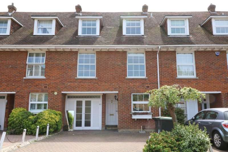 4 Bedrooms Town House for sale in Theydon Grove, Epping, CM16