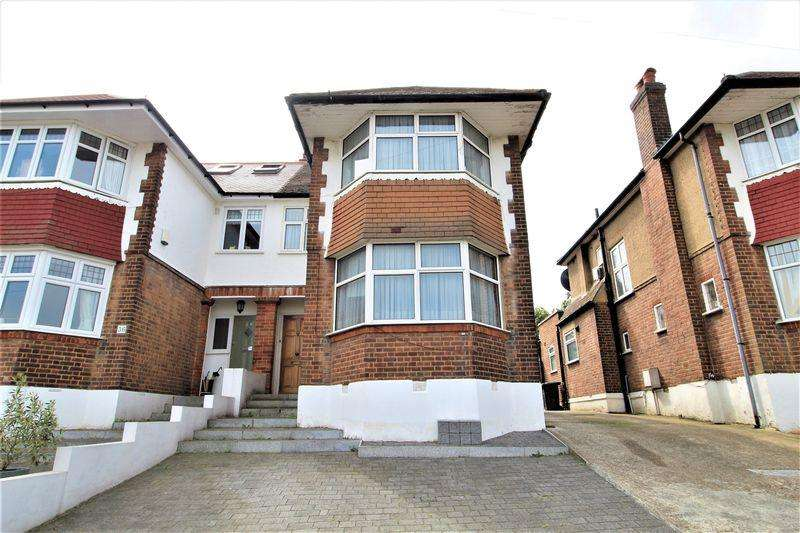 3 Bedrooms Semi Detached House for sale in The Woodlands, Southgate