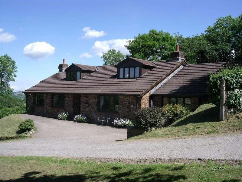4 Bedrooms Detached House for sale in Morebath, Tiverton, Devon, EX16