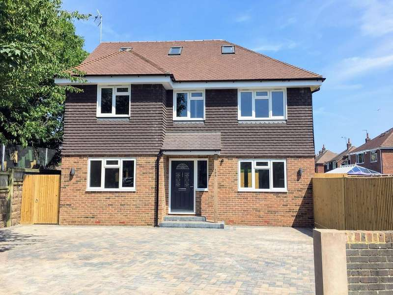 4 Bedrooms Detached House for sale in Baldwin Avenue, Eastbourne, Eastbourne, BN21