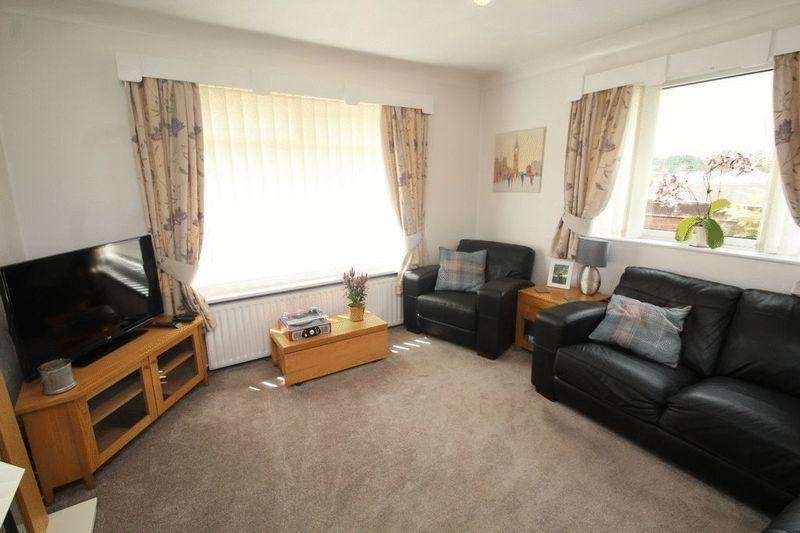 2 Bedrooms Semi Detached Bungalow for sale in Yealand Close, Bamford, Rochdale, OL11 4DL