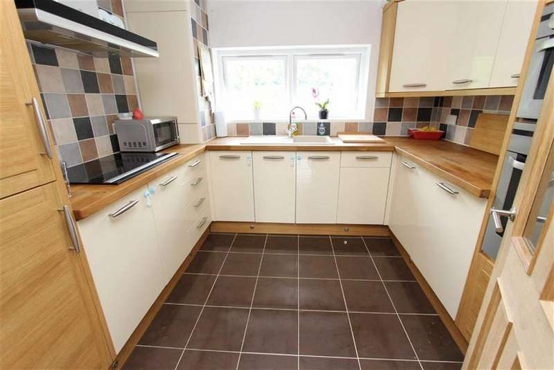 2 Bedrooms Flat for sale in Bideford Court, Linslade, Leighton Buzzard