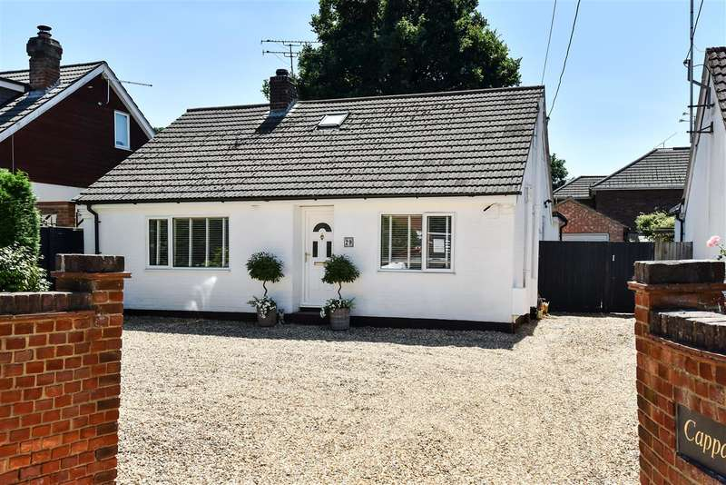 4 Bedrooms Bungalow for sale in Hatch Ride, Crowthorne