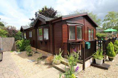 2 Bedrooms Mobile Home for sale in Hurn, Christchurch