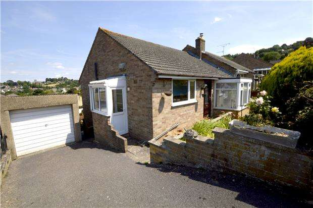2 Bedrooms Semi Detached Bungalow for sale in Larksfield Road, Kingscourt, STROUD, Gloucestershire, GL5 3PL